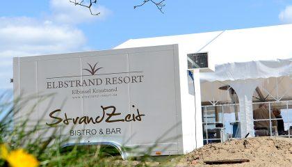 Außenansicht mit Logo des Strand Bistro